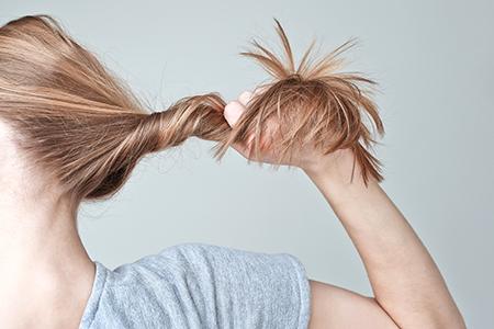 Nejlepší přípravky proti vypadávání vlasů