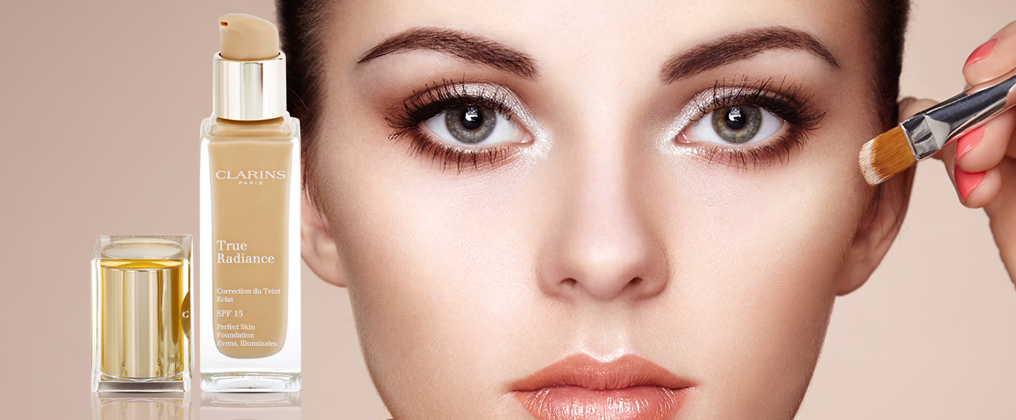 maquillaje con efecto iluminador Clarins Face Make-up True Radiance