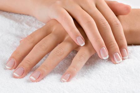 Zadbane dłonie i piękne paznokcie to podstawa
