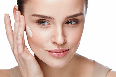 Jak si vybrat make-up podle věku a typu pleti